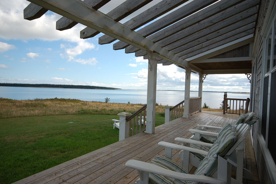 Oceanfront cottages pei front3 house plan small hawaii for Small house for sale in goa